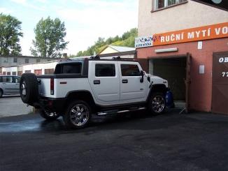 Čistíme i vělké vozy - Hummer H2